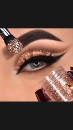 Smokey Eye Makeup Tutorial, Eye Makeup Steps, Cat Eye Makeup, Contour Makeup, Eyebrow Makeup, Glam Makeup, Skin Makeup, 1920s Makeup Look, Brown Eyes Makeup