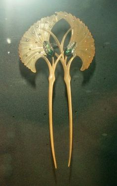 Just lovely - pair of hairpins with emerald cabochon scarabs