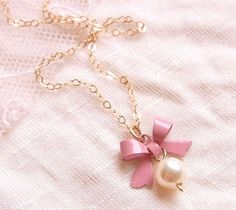 Pretty & cute necklace with pink bow