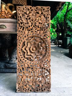 Carved decorative wooden wall panel. Bring a sense of uniqueness with an original oriental design. Adding luxurious and beautiful decorative patterns