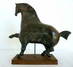 BlackExtend on Behance Art Sculptures, Lion Sculpture, Equine Art, Behance, Statue, Home Decor, Horse, Homemade Home Decor, Horse Art