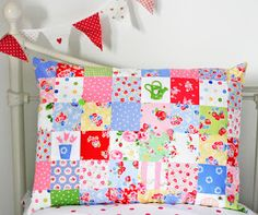 Helen Philipps: Patchwork Pillow and pretty red and white bunting Patchwork Pillow, Quilted Pillow, Patch Quilt, Quilt Blocks, Quilting Projects, Sewing Projects, Quilting Ideas, Sewing Tips, Craft Projects