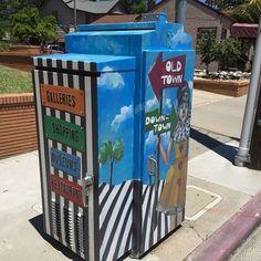 Directional micro mural on a utility box in Auburn, CA.