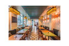 Unul dintre cele mai chic locuri din zona Floreasca - Dorobanti, din Bucuresti, este cu siguranta La Farine. Pentru iluminarea acestui spatiu s-a mers integral pe solutii personalizate. Astfel, toate piesele de iluminat au fost realizate de catre echipa de specialisti Atas Lighting, in Instanbul. Restaurant, Mai, Conference Room, Lighting, Furniture, Home Decor, Cots, Decoration Home, Room Decor