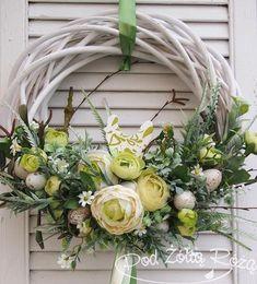wiklina2 Summer Door Wreaths, Easter Wreaths, Christmas Wreaths, Christmas Decorations, Wreath Crafts, Diy Wreath, Grapevine Wreath, Paper Flowers Craft, Dried Flowers