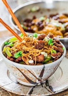 Mongolian Beef Ramen Noodles - a copycat recipe of the popular PF Chang's Mongolian Beef with green peppers and ramen noodles. So simple to make and so delicious, you'll want to forget about takeout! #mongolianbeef #ramen #pfchangscopycat
