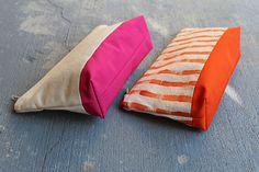 How to make a colourful pouch for toiletries or anything else small that you need to bring from A to B. Come to think of it, if you prefer the pouch in subdued shades, that's ok, too. Boring, but it takes all kinds, right?