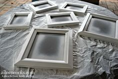 How to Spray Paint Picture Frames - Aileen Cooks Plastic Picture Frames, Black Photo Frames, Painted Picture Frames, Black Picture, Frames On Wall, Decorating With Picture Frames, Picture Wall, Picture Collages, Poster Frames