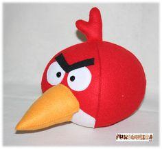 Angry Bird vermelho para decoração ou lembrancinha de festa infantil.   O personagem é todo produzido em feltro.