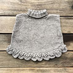 Ravelry gooseberry poncho pattern by pernille larsen free kids poncho crochet patterns Baby Poncho, Kids Poncho, Baby Cardigan, Baby Knitting Patterns, Knitting For Kids, Crochet Patterns, Poncho Patterns, Knitting Stitches, Poncho Au Crochet