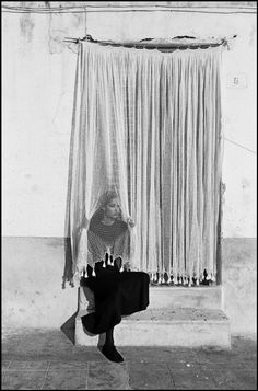 hauntedbystorytelling:  Ferdinando Scianna :: Fashion story with top model Marpessa,  Porticello, Sicily, 1987  / more [+]by this photographer