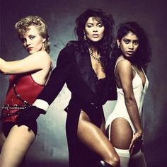 Vanity 6 - very dramatic photo, this would of made a great 2nd album cover - anyone haver it larger resolution, would make a great cover for the outtakes! ... Vibrator!