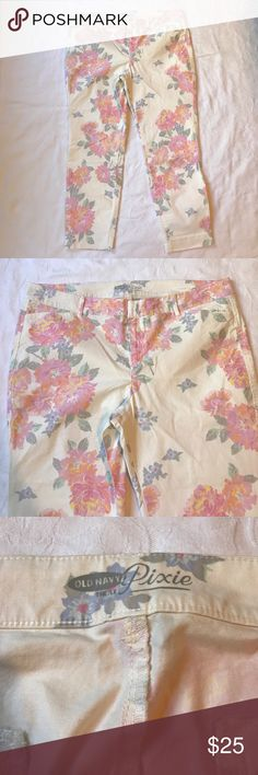 "NWOT Old Navy Pixie Pants Size 16 Reg Floral NWOT Old Navy Pixie Pants Size 16 Reg Floral 26.5"" Inseam Old Navy Pants Ankle & Cropped"