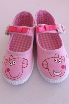 Peppa Pig Shoes Maryjane shoes Sneakers slippers by FieltroFever, Peppa Pig Shoes, Puffy Paint, Pig Birthday, Pig Party, Hand Painted Shoes, Mary Jane Shoes, Cute Shoes, Little Girls, Shoes Sneakers