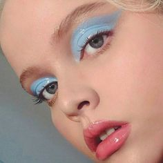 46 Lovely Blue Makeup Looks This Now - Eye & Make-up - Beauty Makeup Trends, Makeup Inspo, Makeup Art, Makeup Inspiration, Makeup Tips, Beauty Makeup, Hair Makeup, Makeup Ideas, Beauty Tips