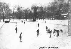 Hockey on the ice, McGill Campus, Montreal, QC, about 1900 Anonyme - Anonymous About century or century Silver salts on paper mounted on card - Gelatin silver process ? 12 x 17 cm