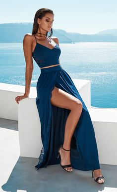 Shop Formal Dresses, Cocktail Dresses, Bridesmaid Dresses, Pantsuits and more from Miss Holly.