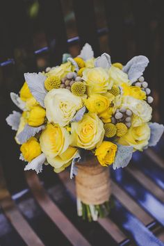 Yellow & Grey backyard wedding / Sunglow Photography via Floridian Weddings