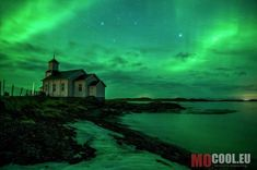 I had the Chance to capture this Picture of my first Aurora at Gimsøy Kirke in Norway. It was a great day on the Lofoten with a unbelievable finish. All The Bright Places, Beautiful Places In The World, Beautiful Places To Visit, Yogyakarta, Alberta Canada, Kerala, Old Country Churches, Famous Places, Lofoten