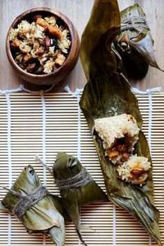Vegan Zongzi (Rice Dumplings in Bamboo Leaves) - Grains and Legumes, Recipes - Divine Healthy Food. This makes me miss home so muchh