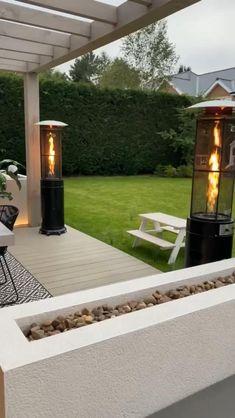 Back Garden Design, Modern Garden Design, Garden Landscape Design, Back Garden Ideas, Modern Landscape Design, Backyard Patio Designs, Small Backyard Landscaping, Tropical Landscaping, Modern Landscaping