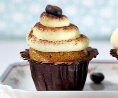 Tiramisu-Cupcakes  Sündhaft gut: Cupcakes mit einer Tiramisu-Haube.