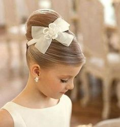 50 First Communion Hairstyles Ideas Nis 2017 admin Kurzhaar Frisuren 0 Both boys and girls should feel spoiled on such an important day and an . Cute Little Girl Hairstyles, Flower Girl Hairstyles, Cute Hairstyles, Teenage Hairstyles, Little Girl Updo, Hairstyle Ideas, Beautiful Hairstyles, Updos For Little Girls, Natural Hairstyles