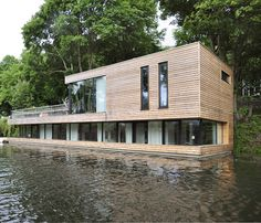 Houseboat martinoff architects Source by manfredhauptman Floating Architecture, Residential Architecture, Contemporary Architecture, Interior Architecture, Building A Container Home, Container Homes, Water House, Minimal Home, Floating House
