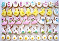 Plnené linecké koláčiky. Easter, Cookies, Cake, Food, Crack Crackers, Easter Activities, Biscuits, Kuchen, Essen