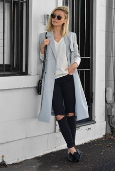 spring outfit, fall outfit, comfy outfit, casual outfit, work outfit, street style, spring fashion, fall fashion - light grey trench coat, white t-shirt, black skinny jeans, black loafers, black shoes, black flats, round sunglasses, black shoulder bag