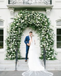 Slide Royal Wedding-Inspired Flower Décor wedding inspo 15 New Wedding Trends to Watch for in According to Planners Wedding Ceremony Ideas, Garland Wedding, Wedding Advice, Wedding Trends, Wedding Venues, Wedding Planning, Wedding Decorations, Destination Wedding, Wedding Arches