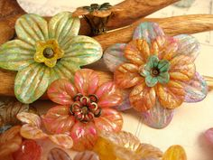 Tutorial for painting Lucite Flowers- gorgeous!  Find lots of fun Lucite flower & leaf shapes to paint at http://www.bellinghambeadbazaar.com/collections/lucite-or-acrylic-flower-beads-and-leaf-beads