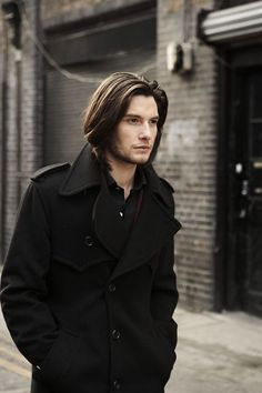 Straight Hairstyles for Men: Ben Barnes Trendy Hairstyles, Straight Hairstyles, Medium Hair Styles, Short Hair Styles, Ben Barnes, Long Brown Hair, Hair Photo, Hair And Beard Styles, Brown Hair Colors