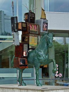 Nam June Paik  Skulptur Pre-Bell-Man
