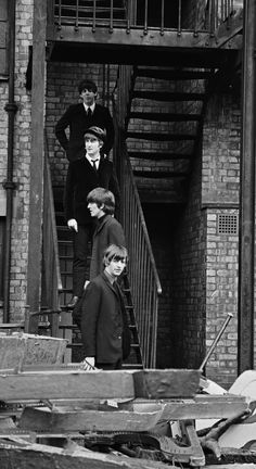 Alice's mom's favourite band,  the Beatles,  filming her favorite movie A hard days night