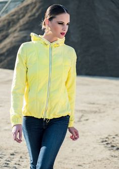 To be sporting has never been so elegant and full of color! Visit our site: www.lindas.it  #jacket #eiderdowns #downjacket #women #girl #newcollection #spring #summer #fashion #fashionstyle #italianstyle #fashionwoman #cool #clothes #jackets #musthave #sporty#girl #yellow #pinterest #followus