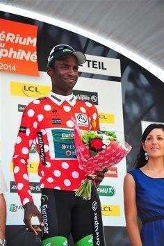 .@KevReza endosse le maillot à pois sur le #Dauphiné (Photo : Sirotti) cc @TeamEuropcar_fr