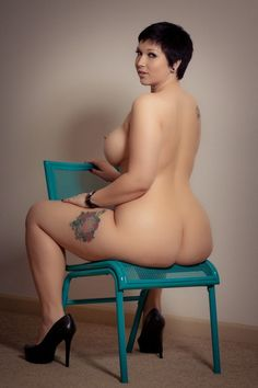 full figured models nude Full-Figured Women's Bodies Transformed Into Fine Art.