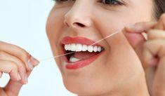 Algunos factores de riesgo relacionados con la gingivitis y periodontitis son: fumar, diabetes, medicamentos y genética. Acuda al dentista si te sangran las encías.#dentistaenmajadahonda #clinicadentalenmajadahonda #revisiondentalenmajadahonda #limpiezadentalenmajadahonda #saludbucalenmajadahonda #higieneoralenmajadahonda #clinicadentaldraherrero #dentalarroque #odontologoenmajadahonda #odontologiaenmajadahonda #majadahonda Best Dental Floss, Dental Floss Picks, Plaque Removal, Listerine, Best Oral, Oral Hygiene, Teeth Cleaning, Oral Health, Biodegradable Products