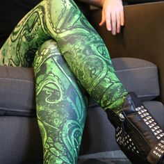 TENTACLE RISING leggings by Ben Templesmith