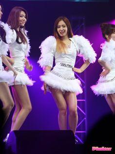 YuRi member of Girls Generation | KPOP http://www.luckypost.com/yuri-member-of-girls-generation-kpop-23/ #CuteGirl, #GirlGroup, #GirlsGeneration, #KPOP, #Korean, #Kpop, #Luckypost, #YuRi, #可爱的女孩在韩国, #韓国のかわいい女の子, #귀요미