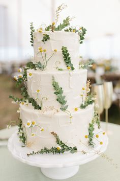 Beautiful Wedding Cakes for Every Venue Textured floral wedding cake perfect for a spring ceremony.Textured floral wedding cake perfect for a spring ceremony. Wedding Cake Fresh Flowers, Floral Wedding Cakes, Wedding Cake Designs, Cake Wedding, Floral Cake, Daisy Wedding Decorations, Lemon Wedding Cakes, Beautiful Wedding Cakes, Beautiful Cakes