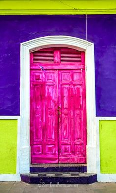 Pink door in Granada, Nicaragua. Door Knockers, Door Knobs, Granada, When One Door Closes, Unique Doors, Grand Entrance, Painted Doors, Closed Doors, Doorway