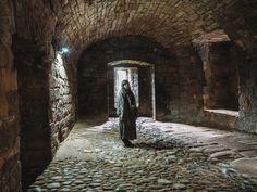 Wentworth Prison Cells from Outlander at Linlithgow Palace Scotland Road Trip, Scotland Tours, Dean Castle, Castle House, Carlisle Castle, Outlander Locations, Wentworth Prison, Edinburgh City, Prague Castle