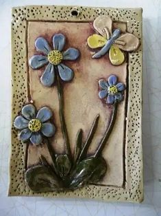 Clay Projects, Projects For Kids, Kids Class, Ceramic Flowers, The Good Old Days, Ceramic Art, Quilling, Polymer Clay, Pottery