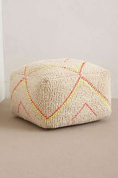 Pouf with a touch o neon. Furniture Sale, Unique Furniture, Furniture Design, Light Study, Knitted Pouf, Moroccan Wedding, Creature Comforts, Upholstered Furniture, Textiles