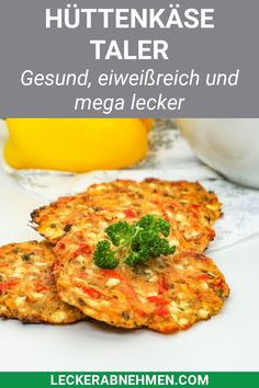 Bunte Hüttenkäsetaler – Gesundes und leckeres Rezept zum Abnehmen Tasty cottage cheese Taler that are vegetarian and perfect for a healthy lunch or dinner. Here you will find the quick recipe, which provides for a change in weight loss. Healthy Dinner Recipes For Weight Loss, Weight Loss Meals, Healthy Meal Prep, Clean Eating Recipes, Healthy Snacks, Healthy Eating, Healthy Recipes, Losing Weight, Protein Recipes