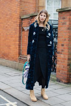 Street style at London's Fall-Winter Fashion Week: Veronika Heilbrunner Casual Street Style, Street Style Fashion Week, Street Chic, Street Wear, Style Snaps, Street Style Looks, London Fashion, Style Icons, Style Me