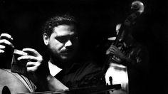 Αλέκος Βρέτος. Η μάχιμη φωνή της Αθηναϊκής τζαζ κοινωνίας #music #outi #night #event #fragilemagGR http://fragilemag.gr/alekos-vretos-zoo-jazz/