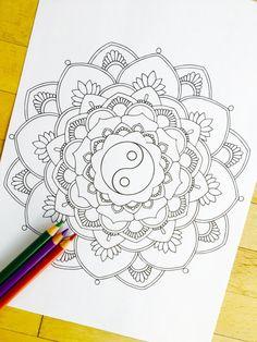mandala-yin-yang-hand-drawn